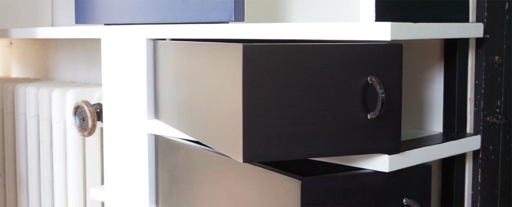 la villa e 1027 cap moderne. Black Bedroom Furniture Sets. Home Design Ideas